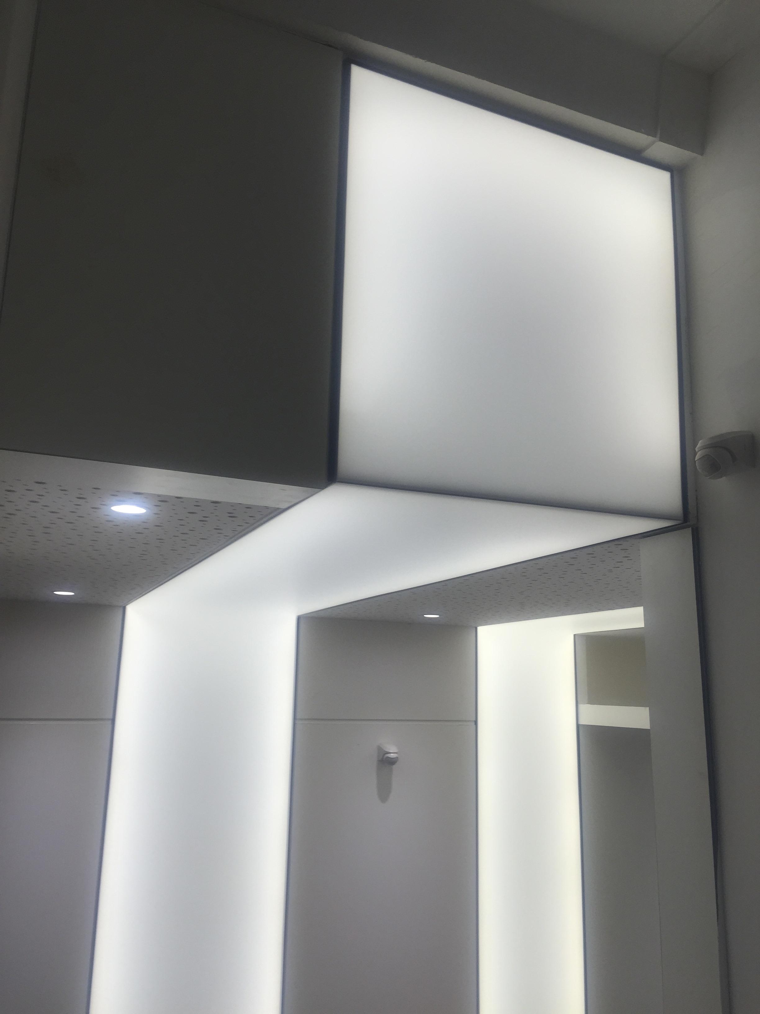 plafonds tendus extenzo toulouse une pose en mur plafond lumineuse. Black Bedroom Furniture Sets. Home Design Ideas